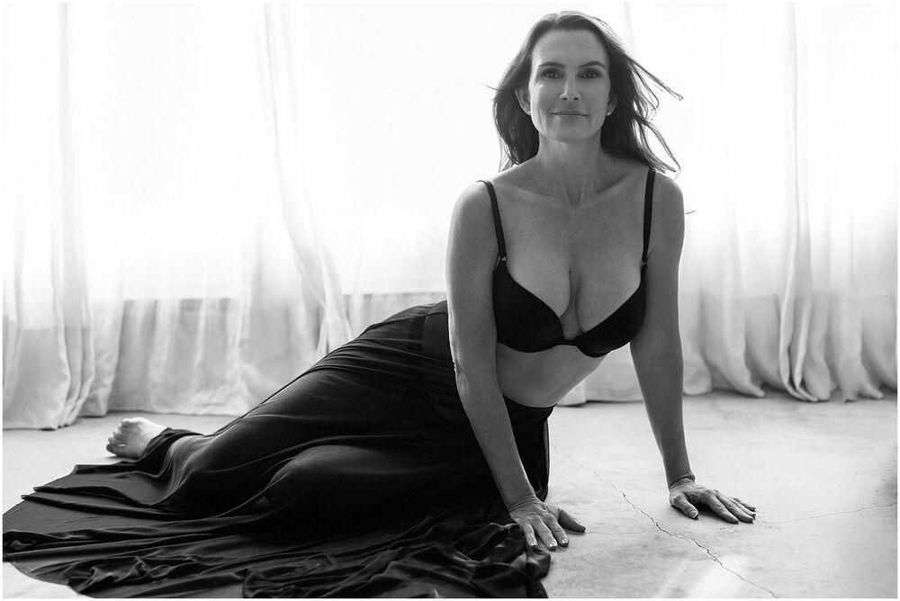 boudoir mature woman luciakielportraits portrait 0012