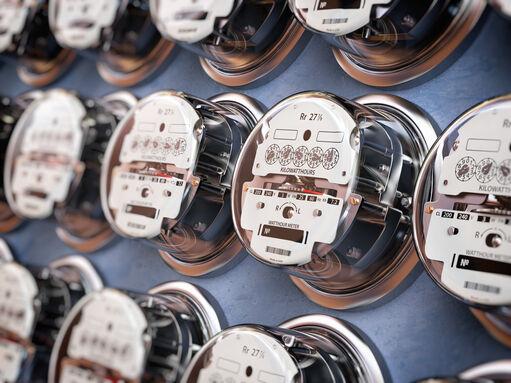 reduccion del consumo de energia, como reducir el consumo de energia, gastar menos en luz, como reducir el gasto de energia, ahorros, ahorro, tarifas electricas, soluciones para disminuir energia, recibo de la luz