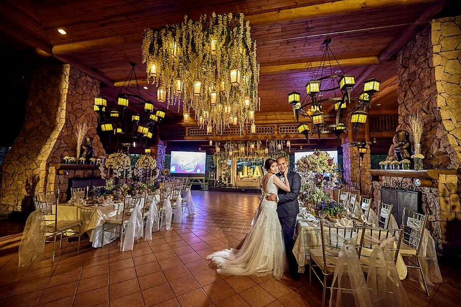 wedding photography with beutiful decors in baguio country club