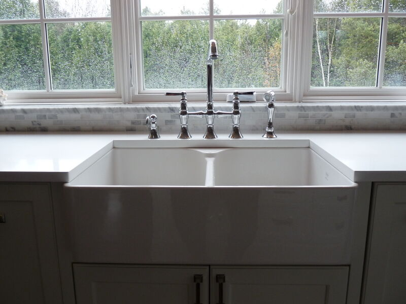 White farm house sink