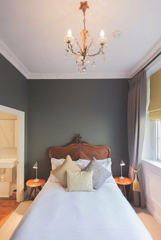 The Cavell room is one of many rooms at 38 St Giles Boutique Bed and Breakfast.