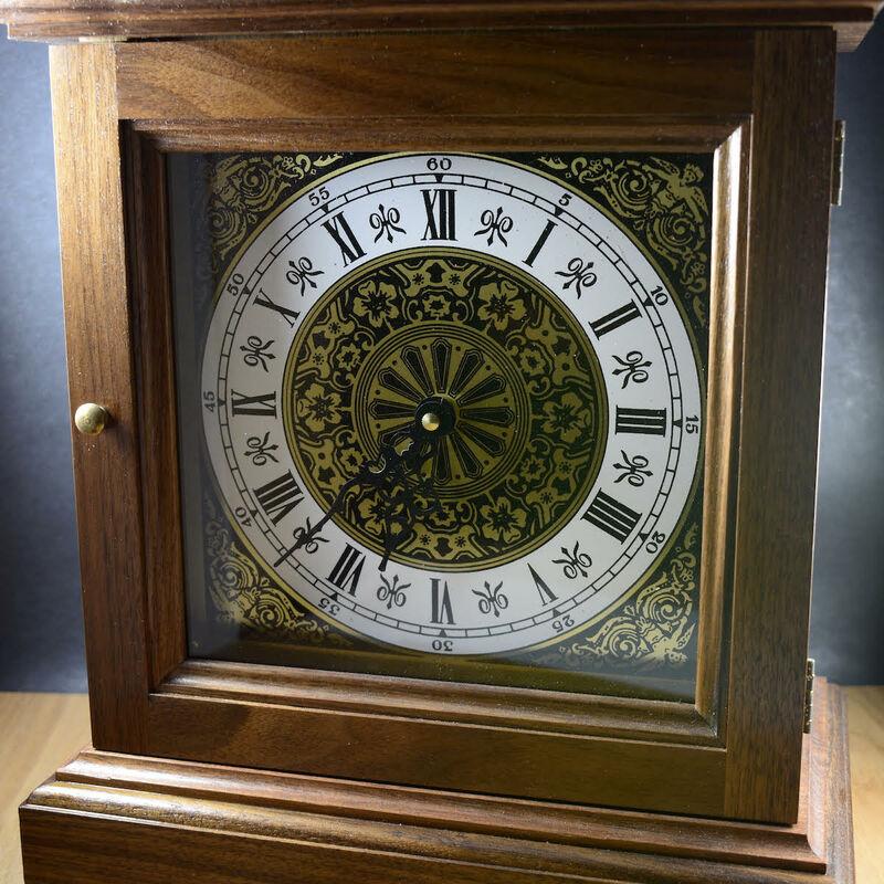 Carriage Clock made of Walnut