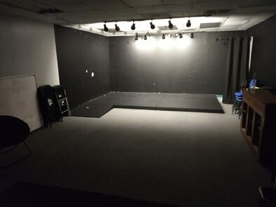 Black Box Stage Dark 600x450