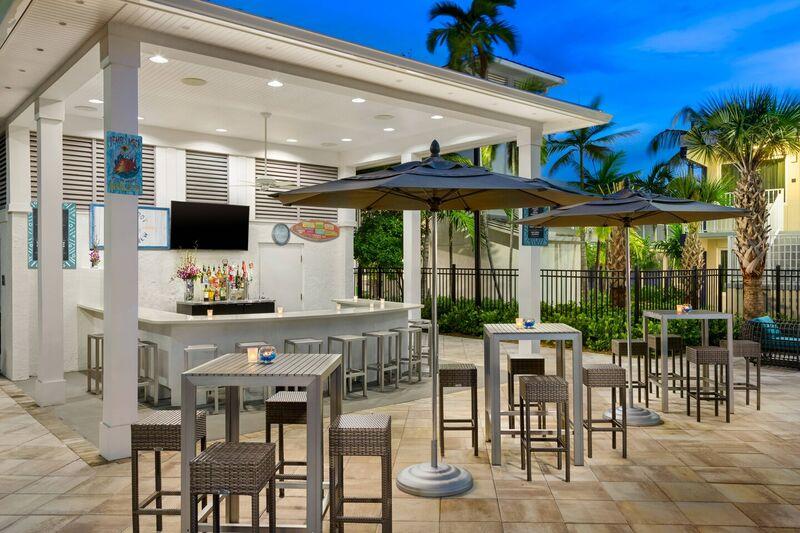 Bar de piscina al aire libre