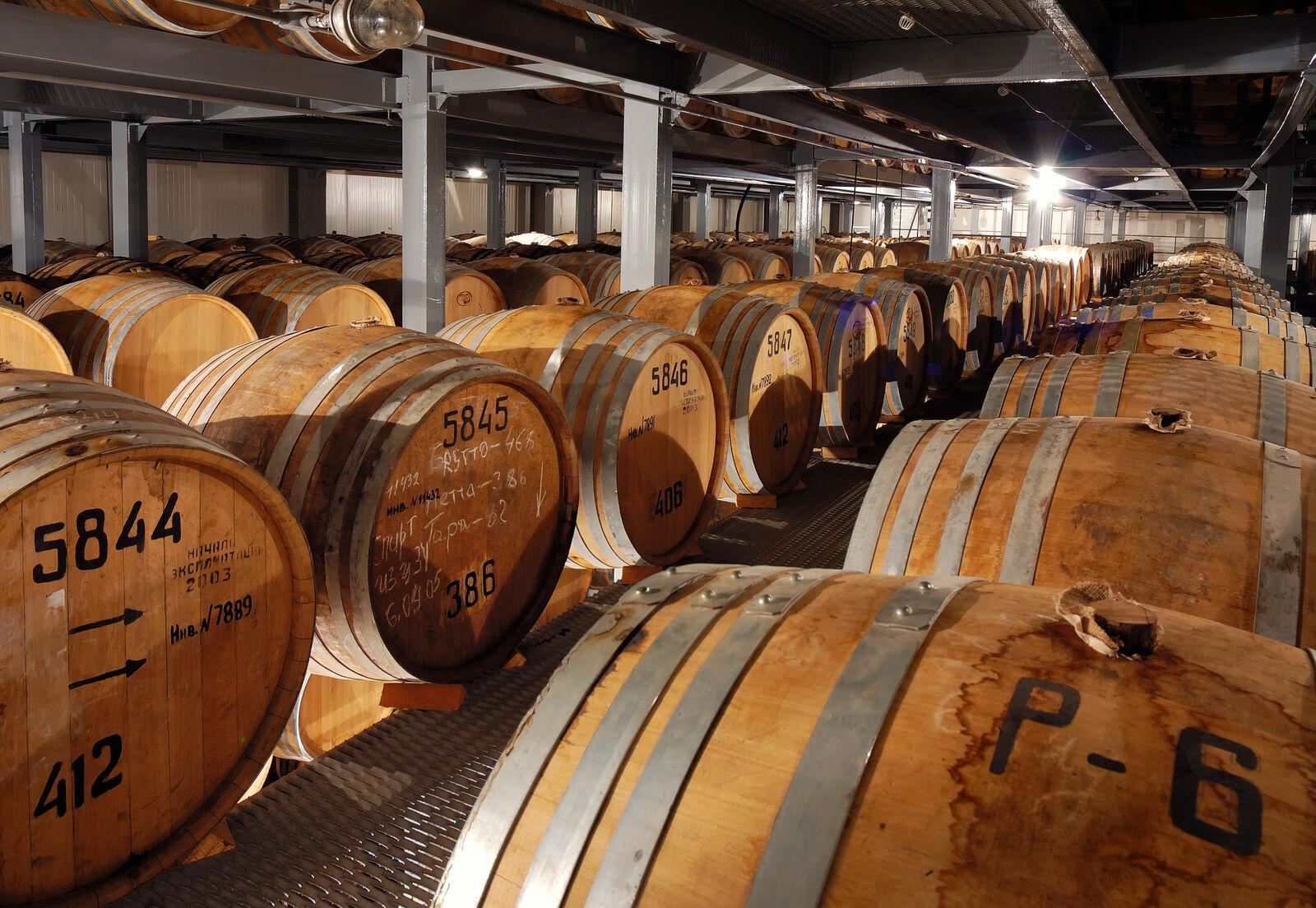 Cognac-Fässer zur Wiederbelegung