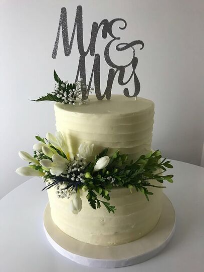 For him and for her wedding cake design