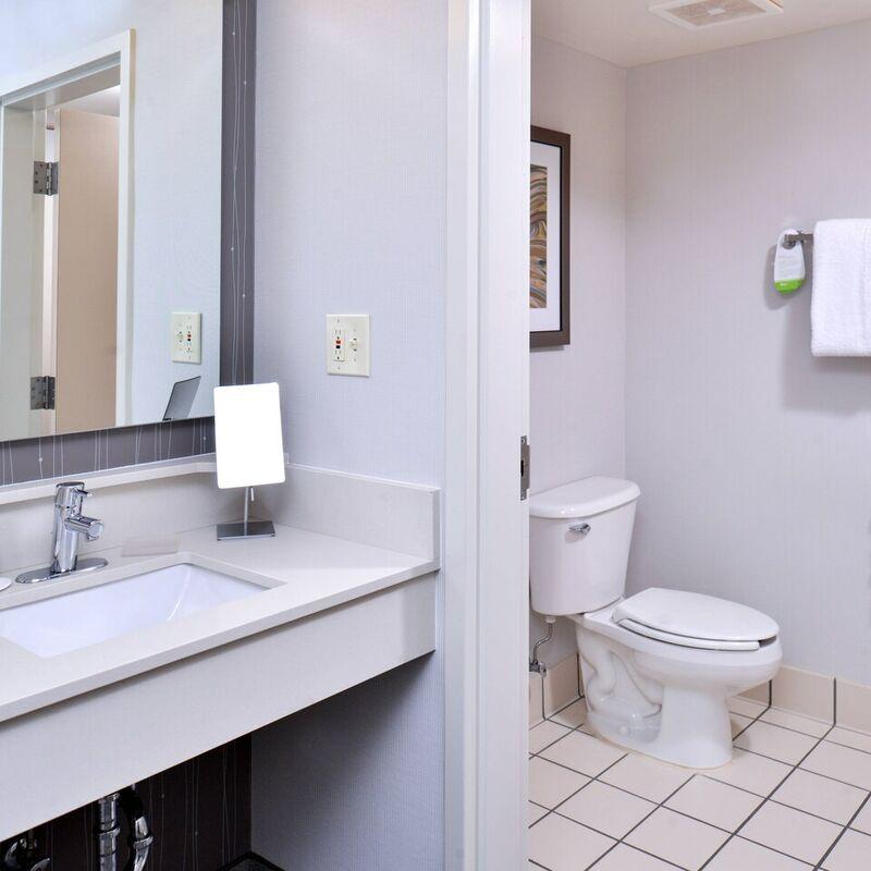 hsvdc bathroom 0027 hor clsc