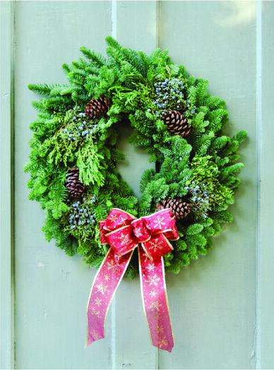 Classic Noble Fir Mixed Wreath