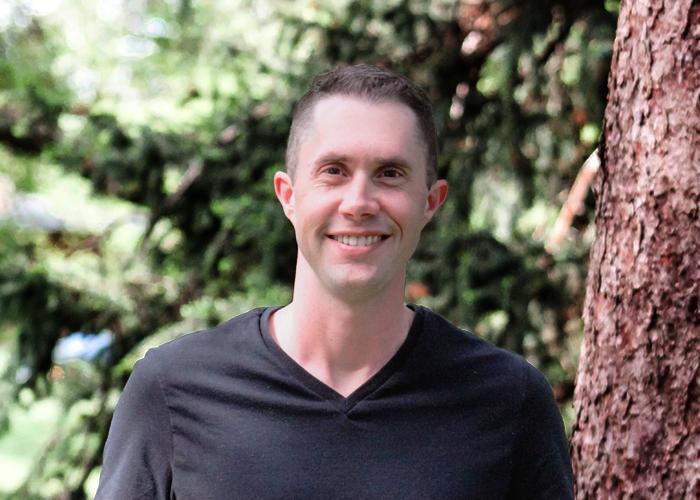 Link to bio for Ben Larsen, Associate Pastor