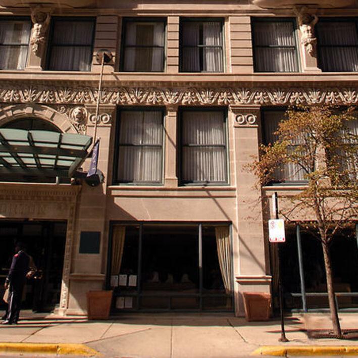 hotel blake chicago exterior1