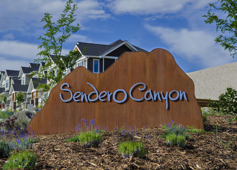 Sendero Canyon Sign 1