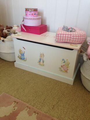 Alics nursery toybox IMG 6063