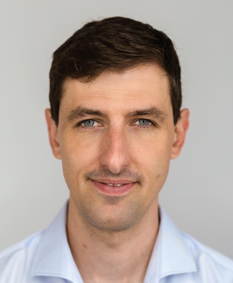 Lukasz Bragi - System Engineering