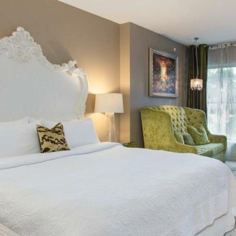 savad guestroom 3685 hor feat