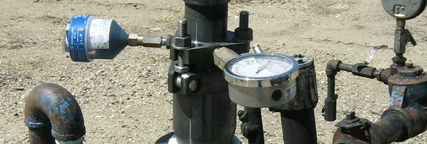 Single point lubricators for oil & gas applications like pump jacks, pumps. valves, and drive systems