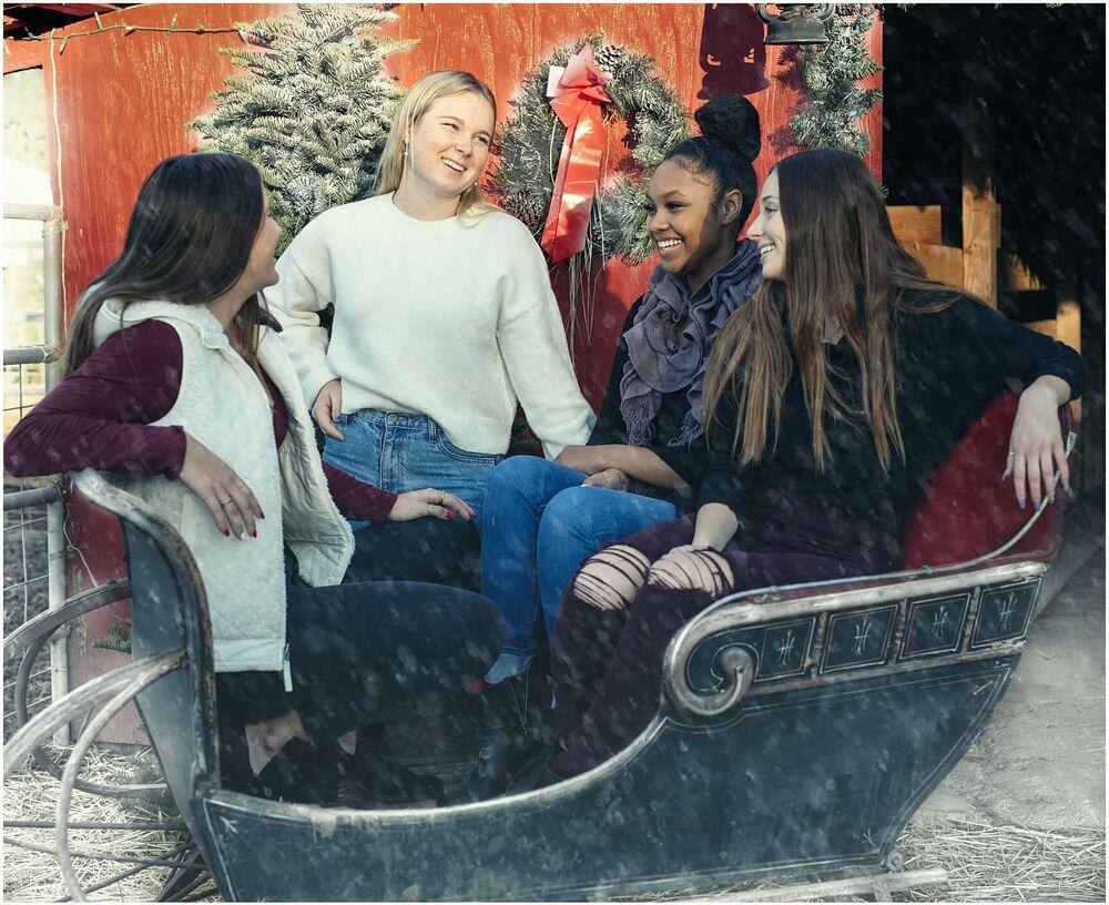 snow winter christmas senior luciakielportraits 0005