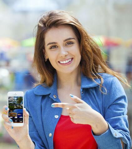 Download the VOMOS app