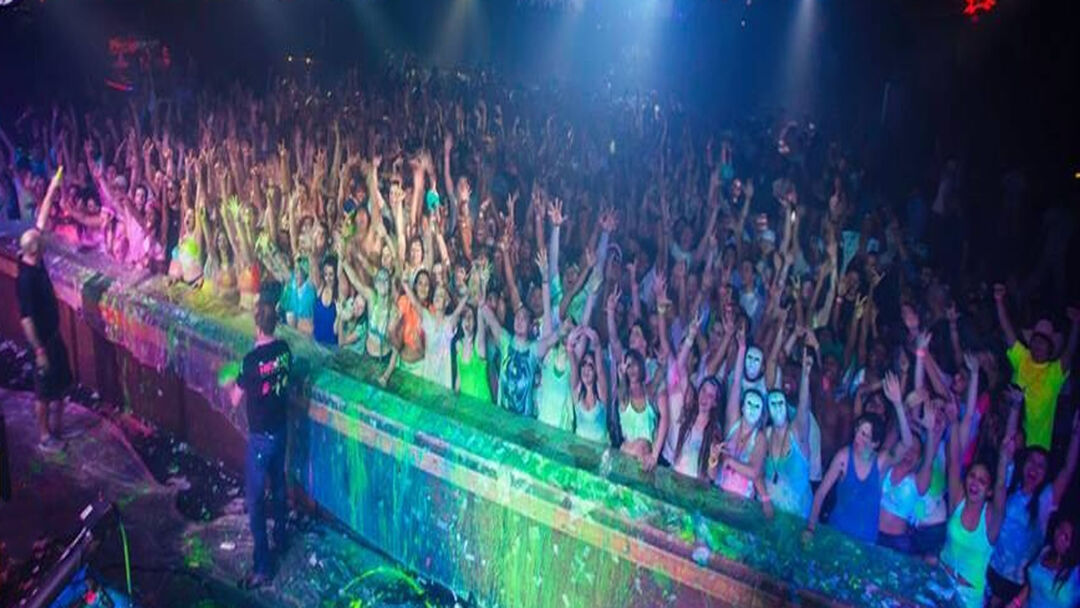 Dj Snow White, dj sno-white, cowboys college party, college nights, college parties, college agencies, splattertour, paint university, NACA, DJ's, uv, blacklight, neon, color runs, washable neon paint, paint rave paint, buy neon paint.