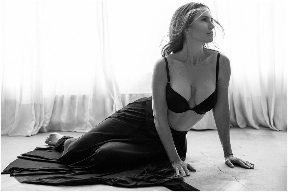 boudoir mature woman luciakielportraits portrait 0002