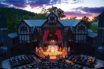 Image of the Elizabethan Theater  at the Oregon Shakespeare Festival in Ashland.