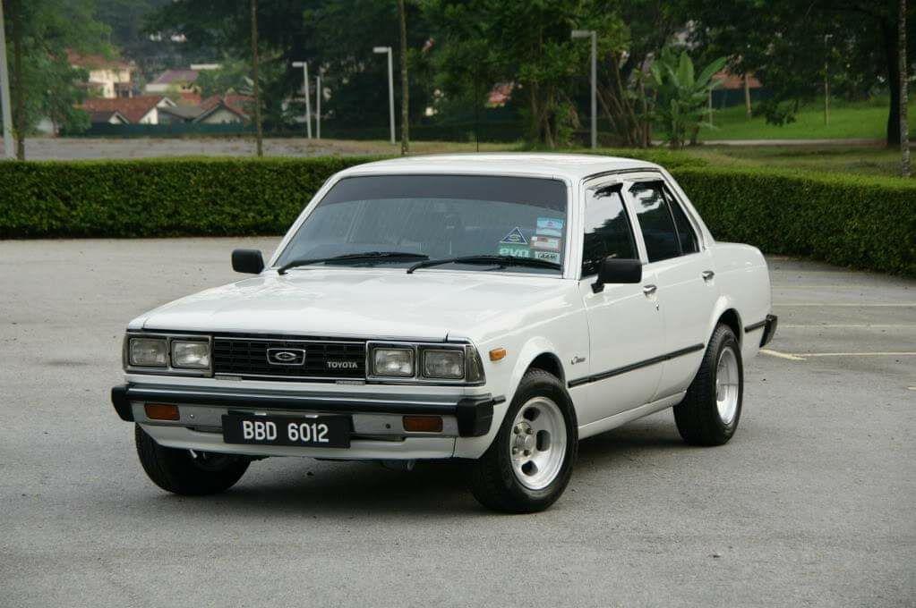 corona sedan