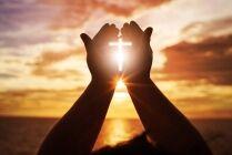 prayer crosslight1