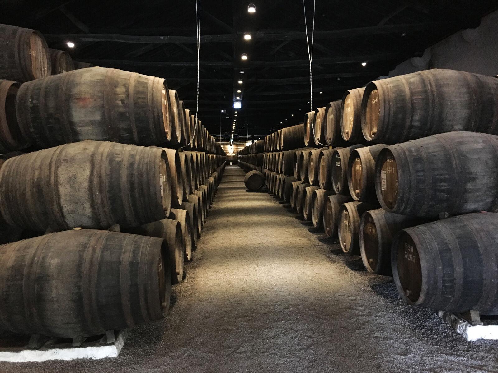Portwein-Fässer zur Wiederbelegung