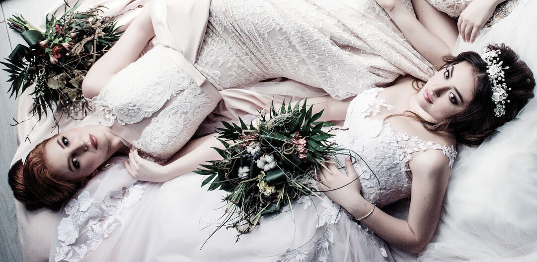 mid bridal by Mirela Iorgoni design background