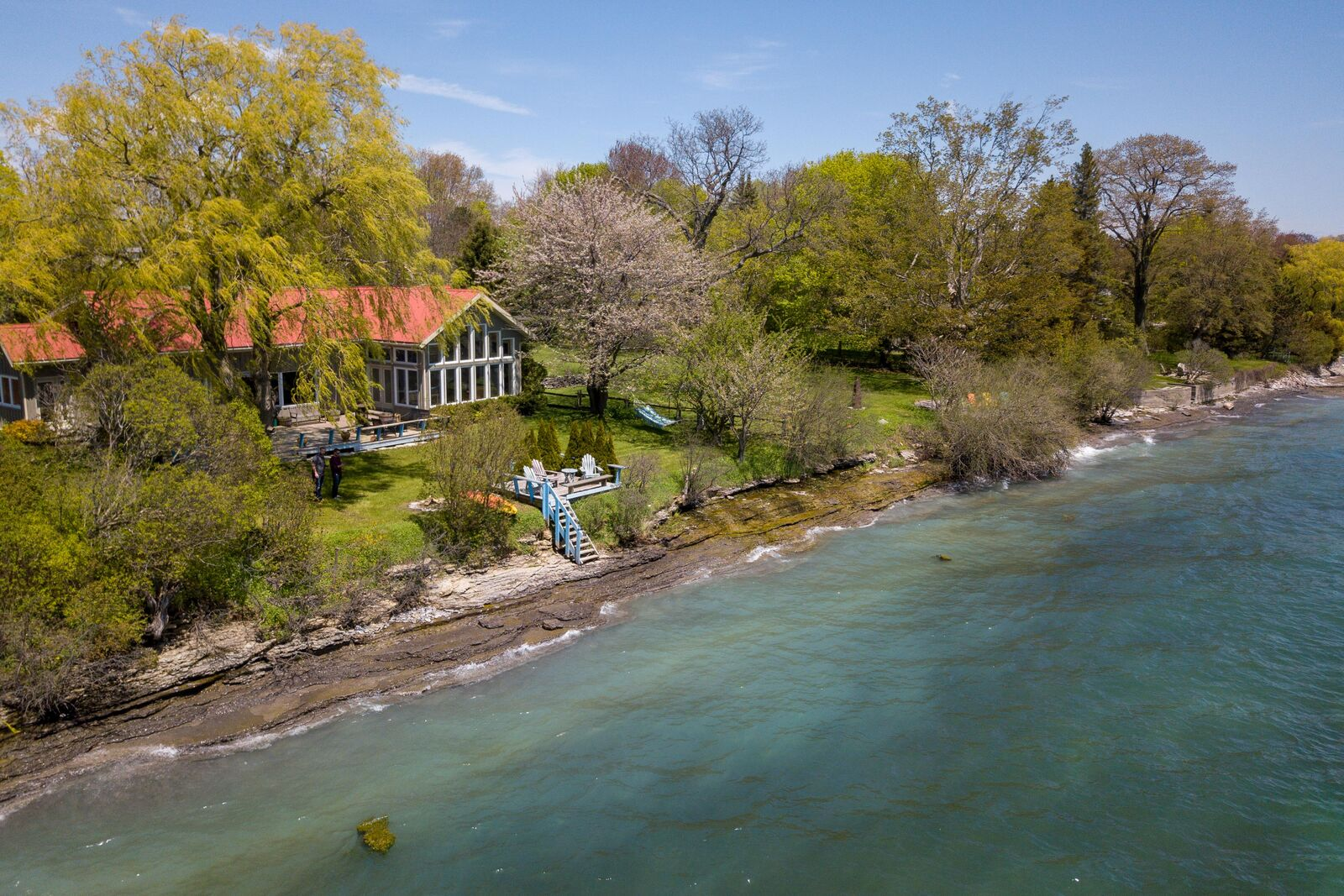 Cottage on Lake Ontario in Prince Edward County