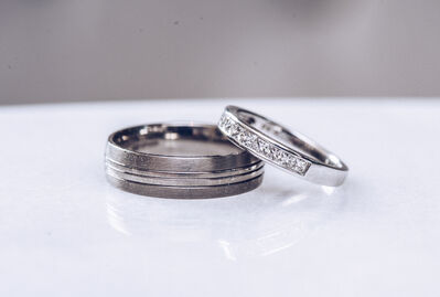 wedding rings macro photography by Karl Baker photography