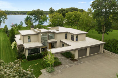 Large Modern House on Waterfront Lot