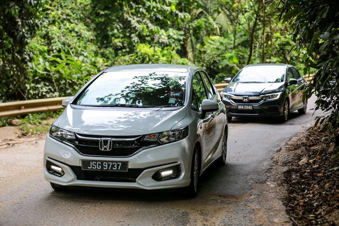 2017 Honda City Hybrid Jazz Hybrid Review