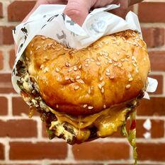 Smashed Patty Burger + Gravy Dunk Pot