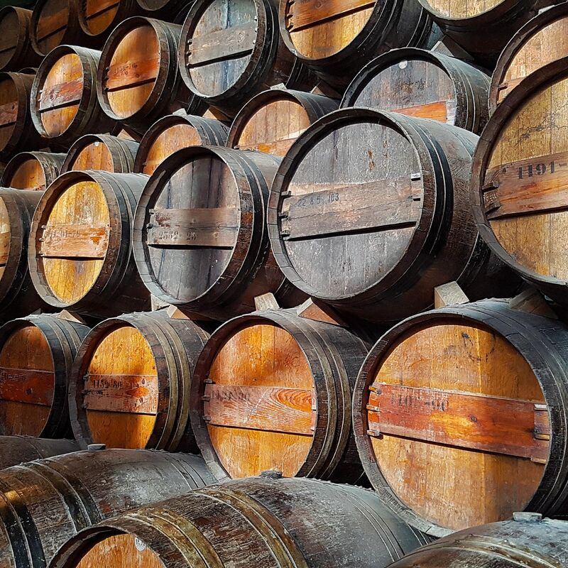 Used and freshly emptied Muscat Casks