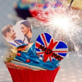 Prince Harry and Meghan Markle Royal Wedding Cupcake with Sparkler